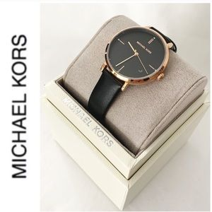 NWT authentic MK leather strap black rosegld watch